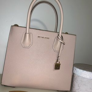Michael Kors Mercer Medium